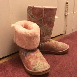 Pink Floral Tall Uggs🌸